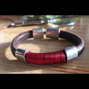 Uno de 50- unisex leather & red wire bracelets